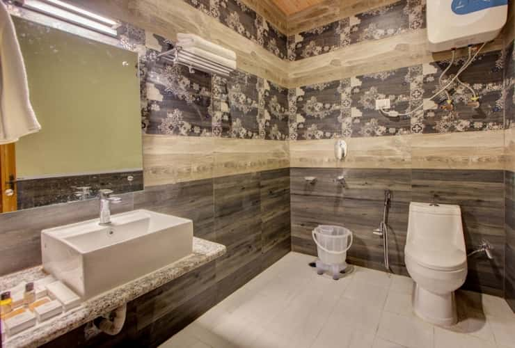 Wash Room, Himachal Pradesh Tour Package